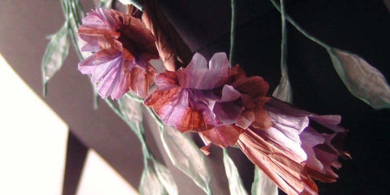 Blumencollier Detail