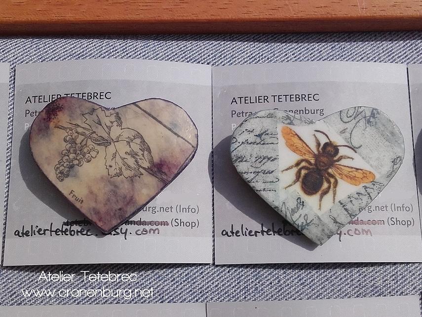 2 Herzbroschen Rebe / Biene
