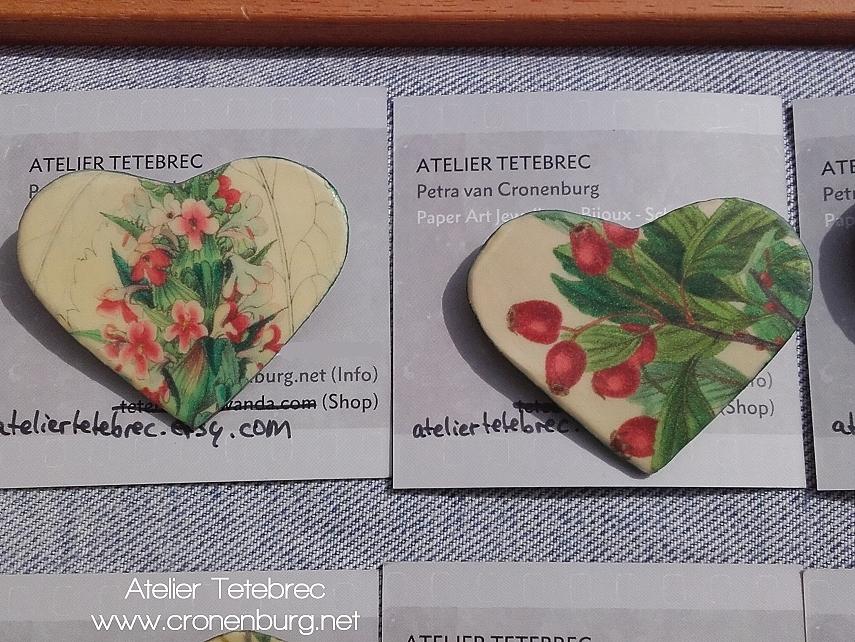 2 Herzbroschen Botanik