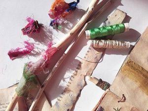 Material Papier, Textiles, Holz